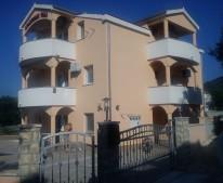 Apartments VALA Vinišće