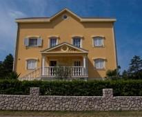 Apartments VILLA ANA  Jadranovo