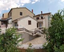 Apartments Pulezanka
