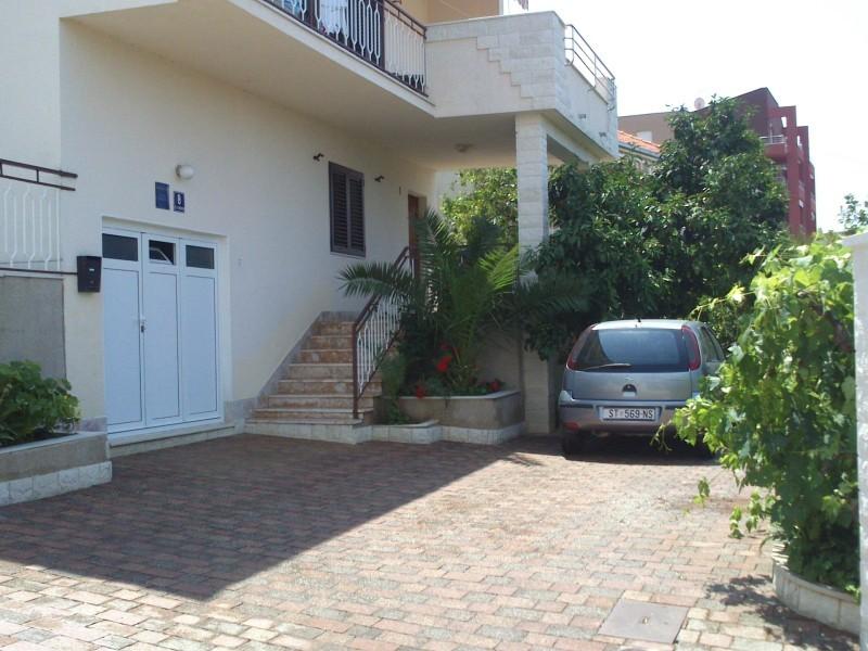 Apartments Apartmani Bareta