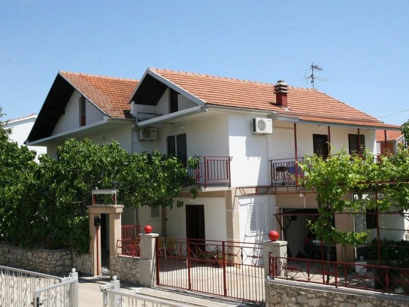 Apartments VODICE-WILLA TANJA***