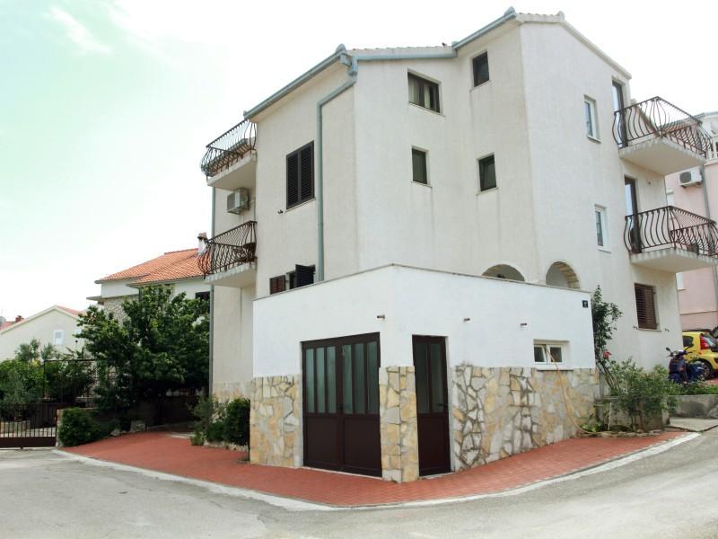 Apartments Sanader