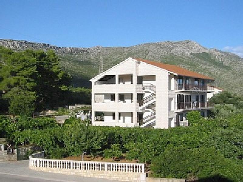 Apartments Sveti Anton