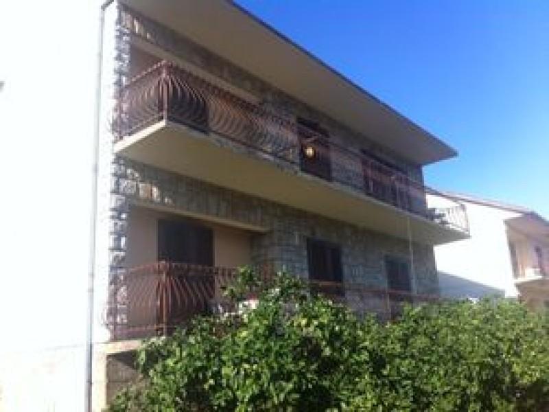 Apartments Carić Jelsa Hvar