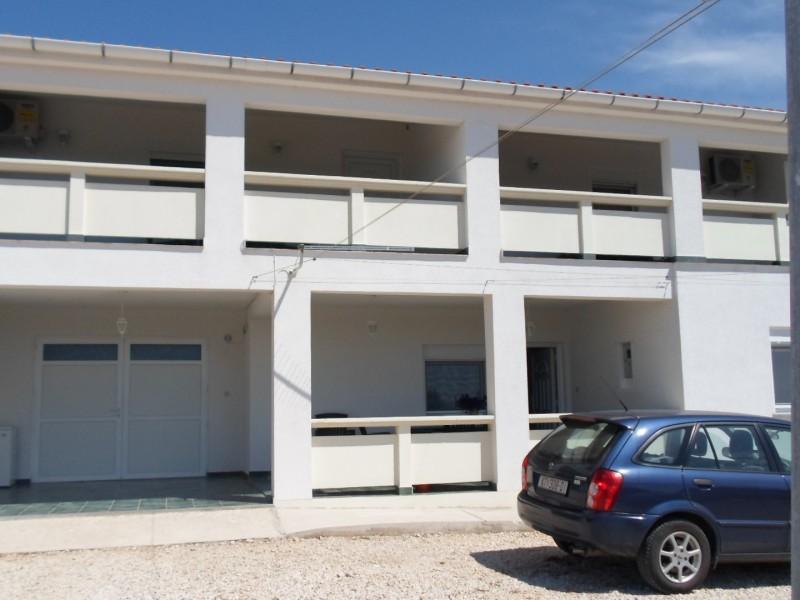 Apartments Mira Tresk